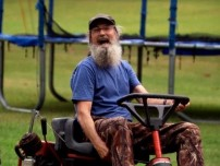Si Knows Women: Video.